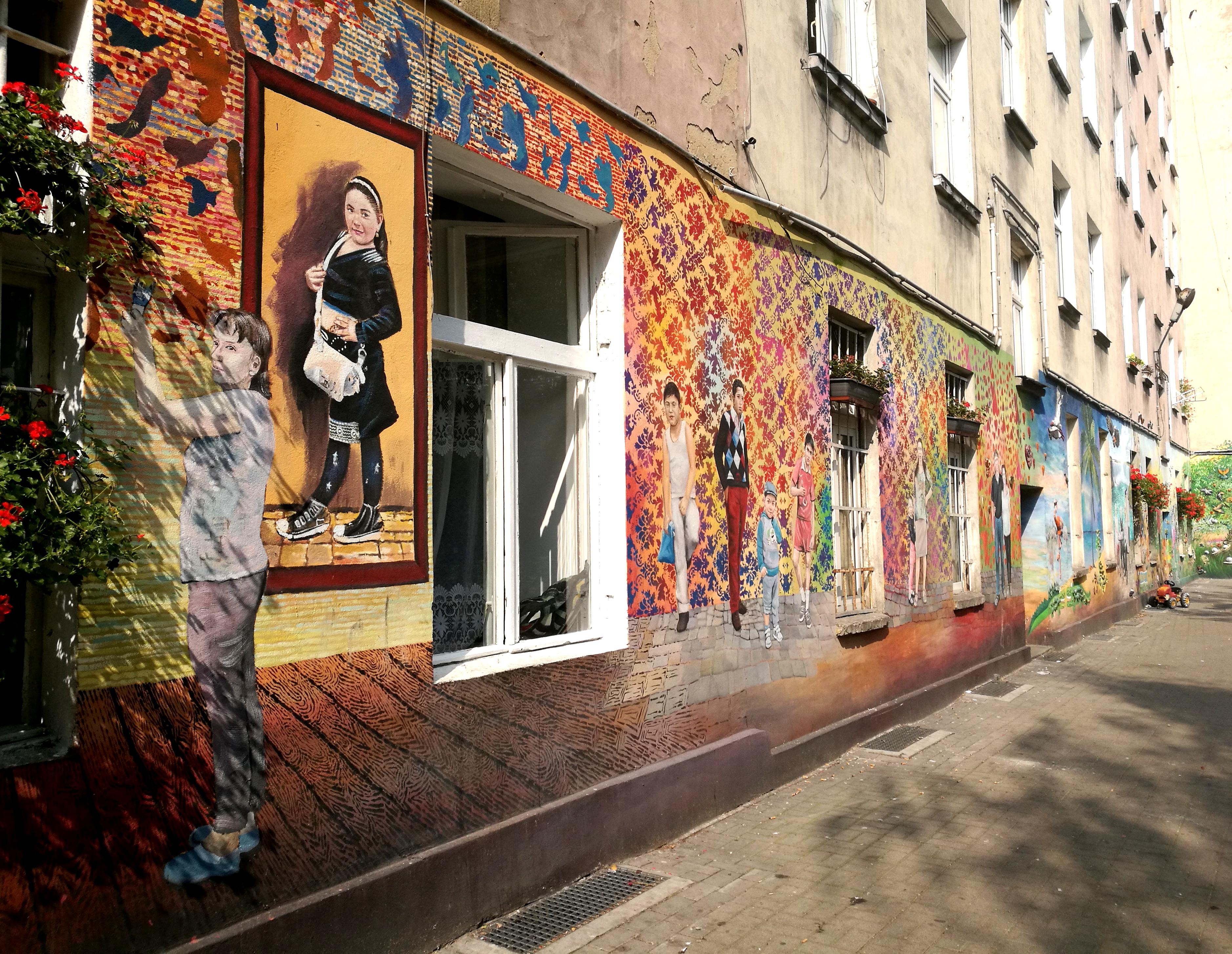 kolorowe podwórka przy Roosevelta we Wrocławiu