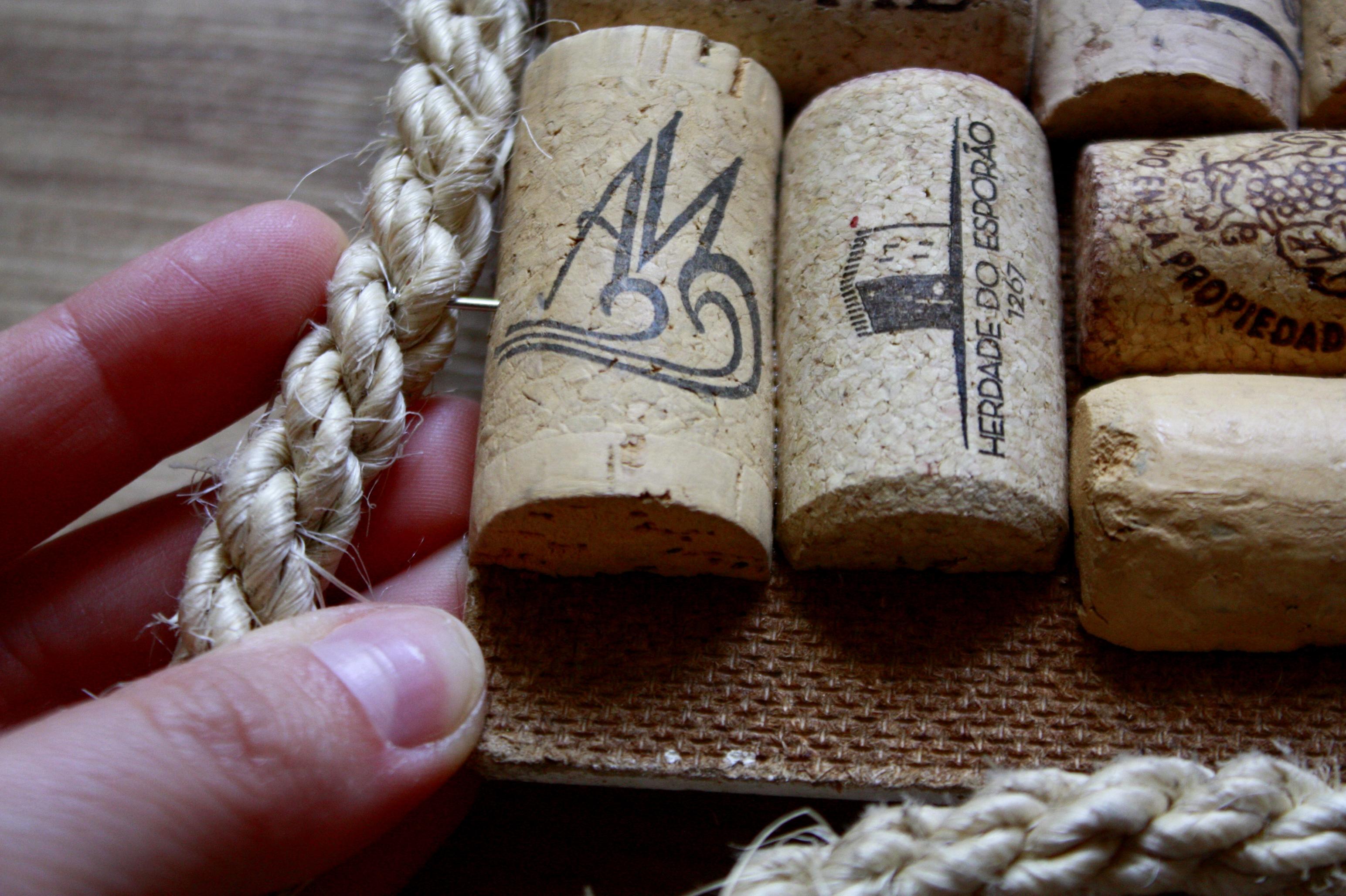 tablica korkowa diy z korków po winie