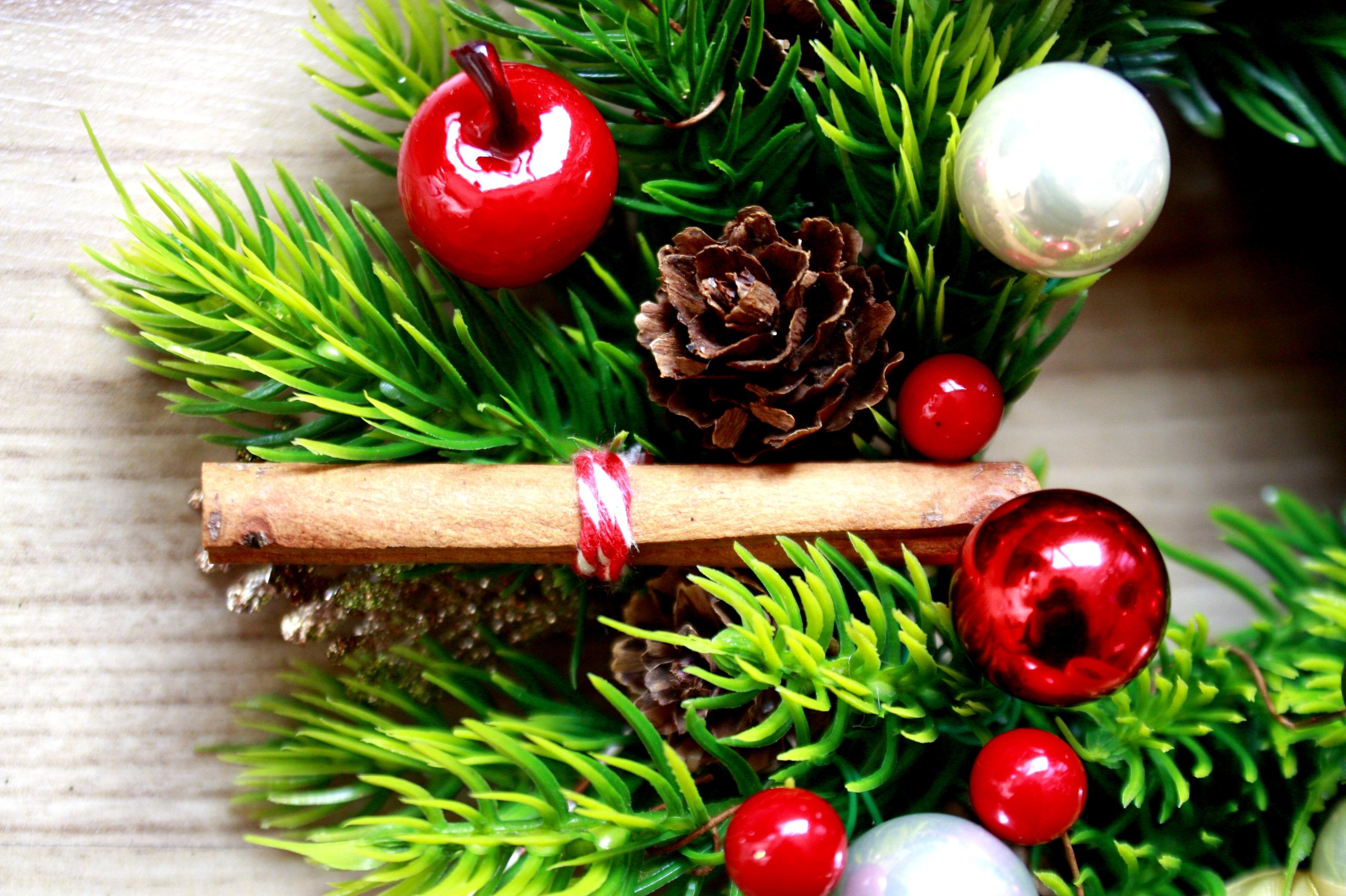 wianek świąteczny laska cynamonu