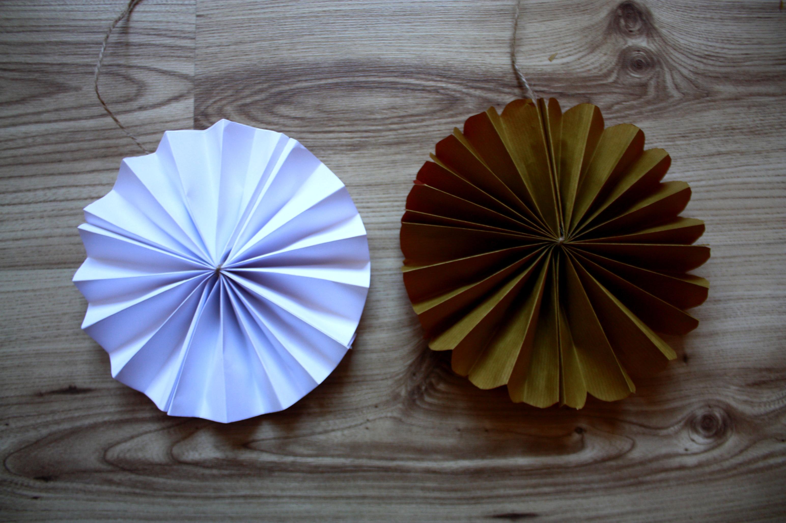 rozety własnoręcznie robione dekoracja DIY