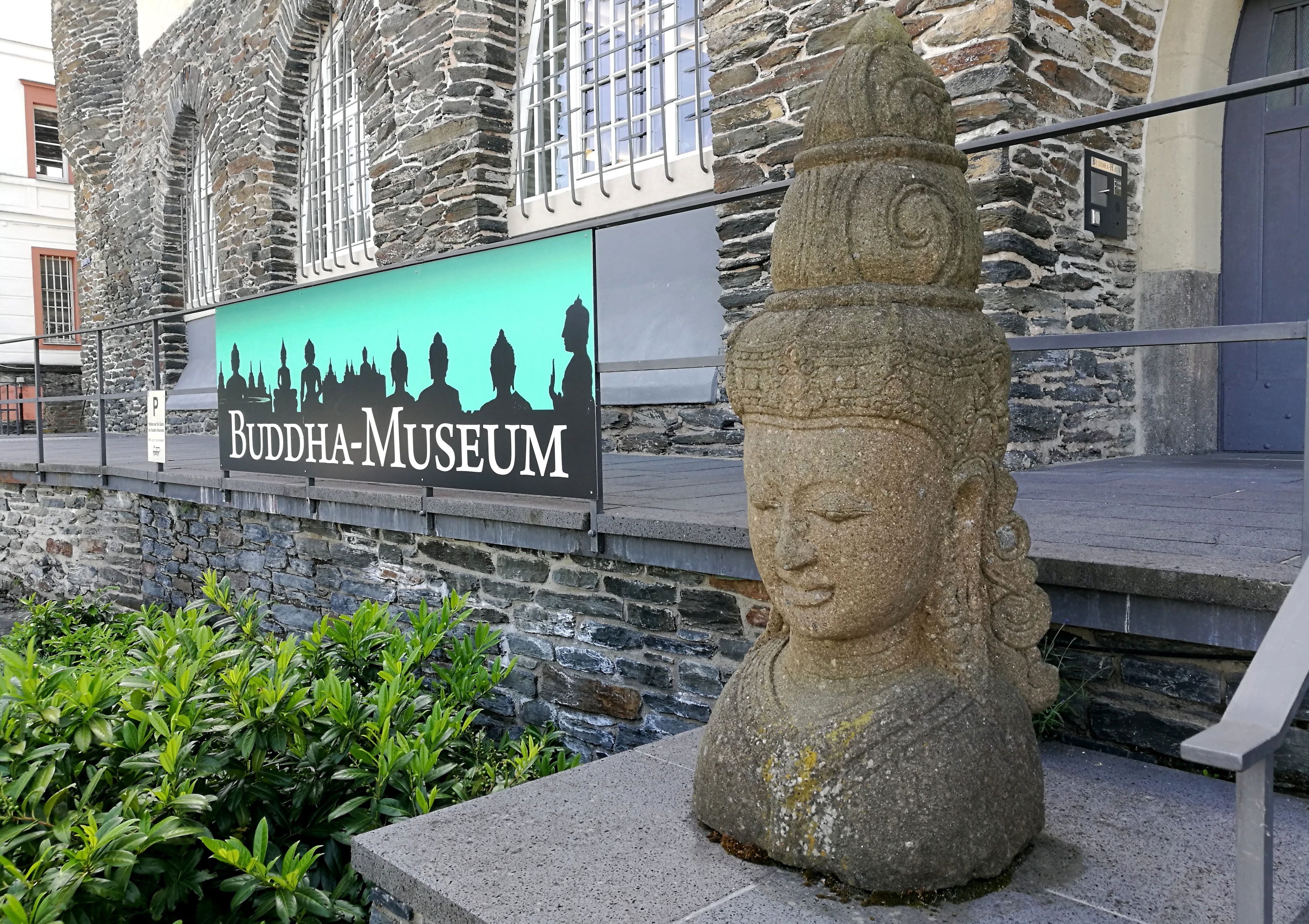 budda mieszka w traben trarbach, muzeum buddy w Niemczech